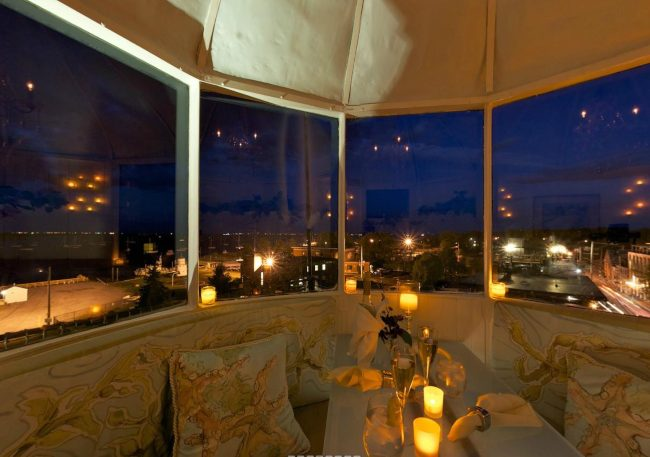 Newburyport Lighthouse Dining - night view
